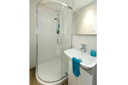 hadley-shower